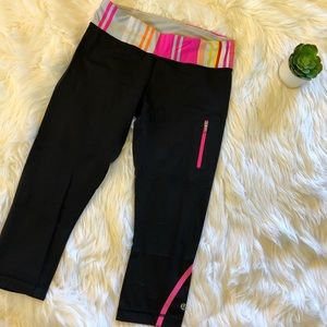 Lululemon • Black with stripes tights